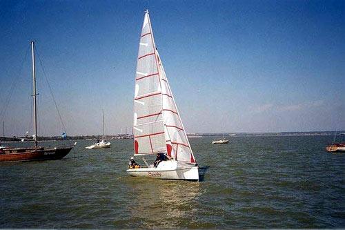 Яхта Дон 22